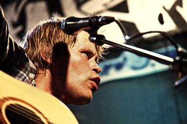 """Kent Gustavsen, medvikende i """"Uteliggernes sang""""."""