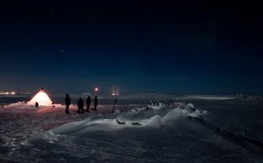 Jan Wangaard og hans team inspiserer Maud vinteren 2013. Foto: Jan W.