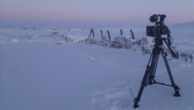 """""""Maud"""" stikker opp av isen i Nordøstpassasjen i nord-Canada. Foto: Lars Nilssen"""