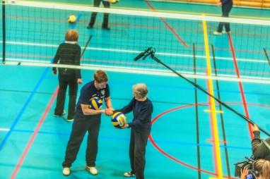 Optimistene har hyret inn proff volleball-trener. Foto: Dimitri Koutsomytis